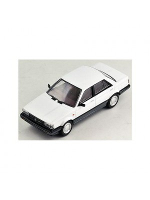 Tomytec Tomica Limited Vintage NEO LV-N10c Sunny 1500 Super Saloon (White/Gray)