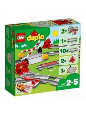 10882 TRAIN TRACKS