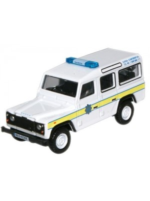 76DEF004 Garda Land Rover Defender Station Wagon