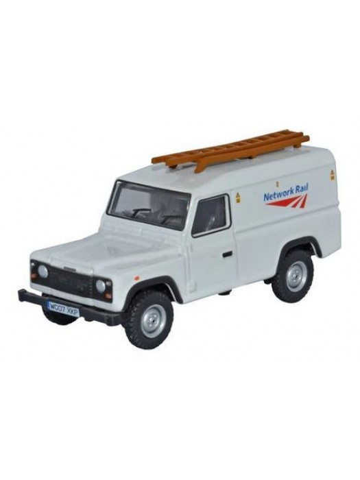 76DEF008 Land Rover Defender Network Rail