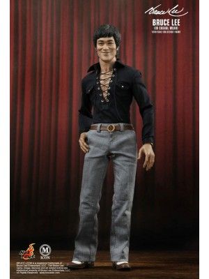 MICON012 BRUCE LEE IN CASUAL WEAR 4897011173832